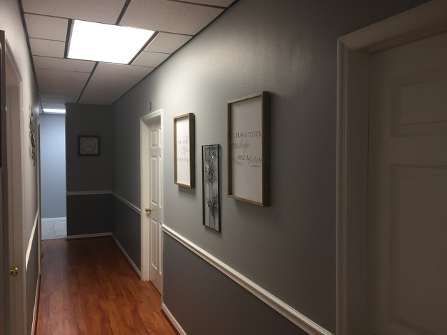 Mount Dora Office, Hall